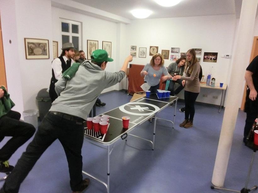 Na kućnim žurkama je beer pong nepisano pravilo | Izvor: beerpong-shop.de