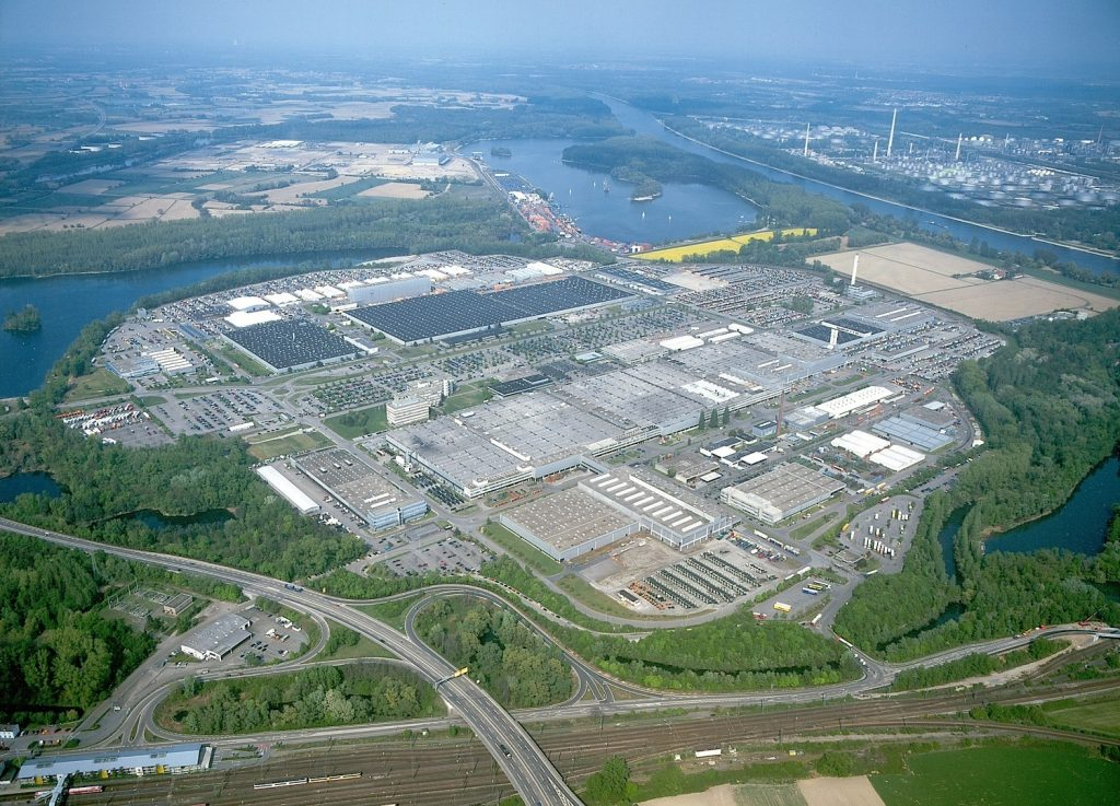Najveća fabrika kamiona na svetu - Daimler Woerth