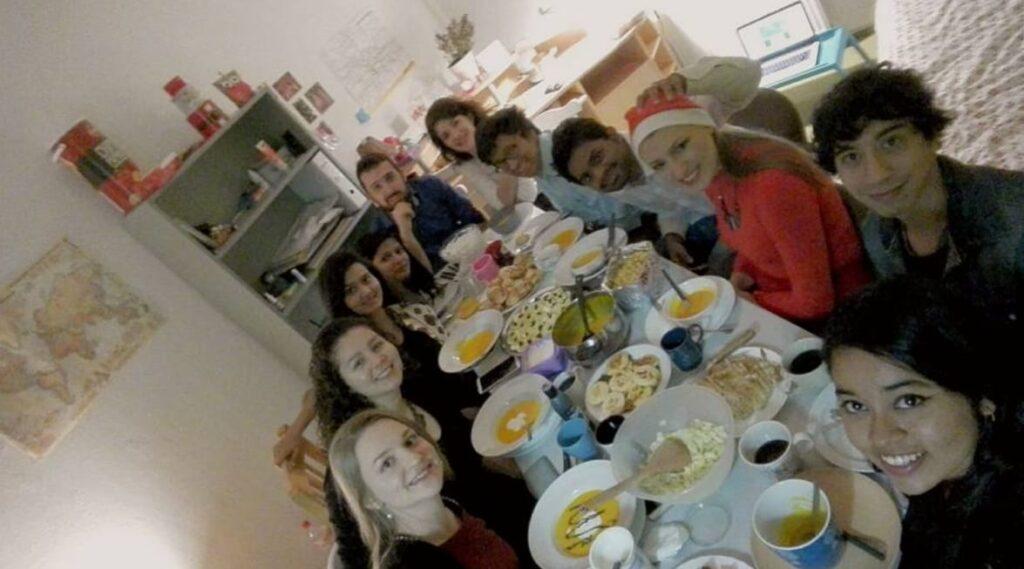 Bozicća večera: razmena poklona i tradicija u Drezdenu (Decembar 2016). Izvor: lična arhiva autora
